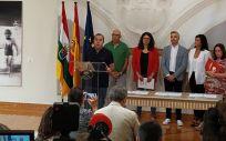 Representantes de PSOE, IU y Podemos en la firma del acuerdo en La Rioja (Foto. Twitter IU La Rioja)