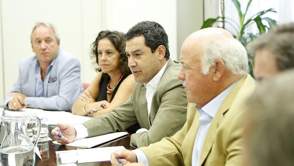 Juanma Moreno, al día sobre brote de listeriosis