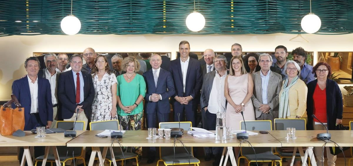 El presidente del Gobierno, Pedro Sánchez, este miércoles durante su encuentro con los representantes del sector sanitario (Foto: PSOE)