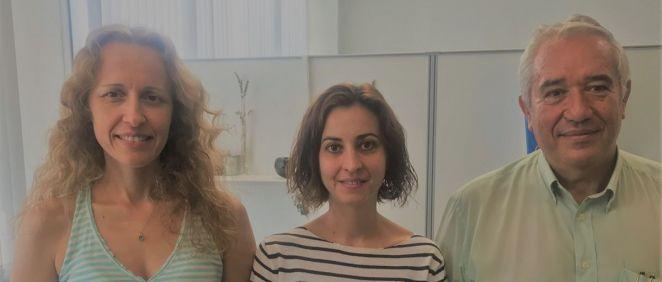 Mayte Coiras, Sara Rodriguez Mora y Pepe Alcamí, de la Unidad de Inmunopatología del Sida en el Centro Nacional de Microbiología del ISCIII (Foto. ISCIII)