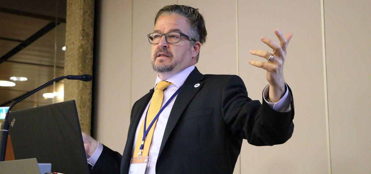 Howard Catton, director ejecutivo permanente del Consejo Internacional de Enfermería (Foto: CIE)