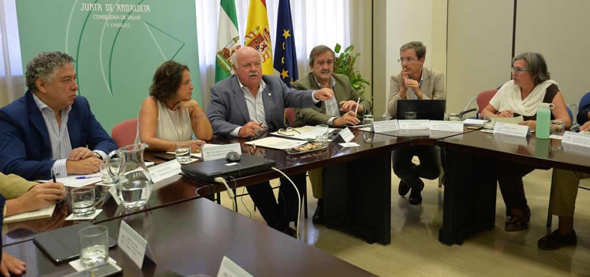 Reunión del gabiente designado para el brote de listeriosis (Foto. Junta de Andalucía)