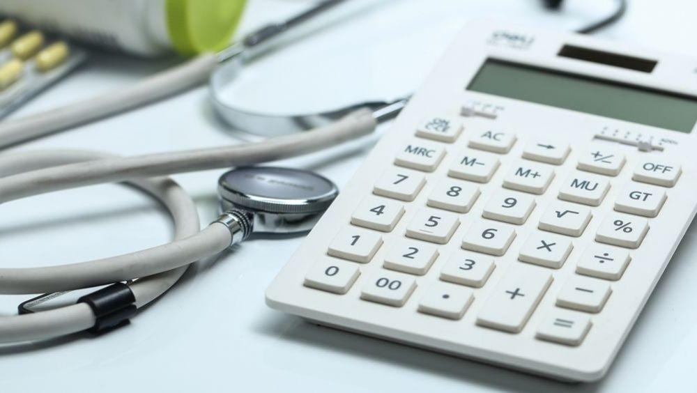 Pago a proveedores sanitarios (Foto: Freepik xb100)
