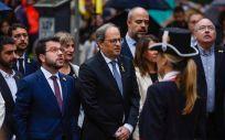 Alba Vergés, consejera de Salud de Cataluña, detrás de Quim Torra y otros miembros de la Generalitat (Foto: @albaverges)