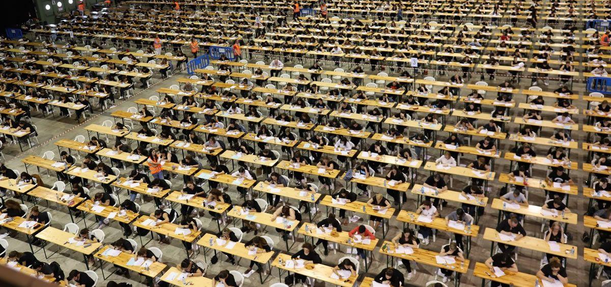 Opositores realizando una prueba de una Oferta Pública de Empleo (OPE). (Foto. Xunta de Galicia)