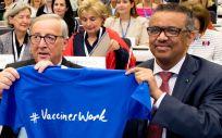 Jean Claude Juncker, presidente de la Comisión Europea, junto a Tedros Adhanom, director general de la OMS (Foto: @WHO)