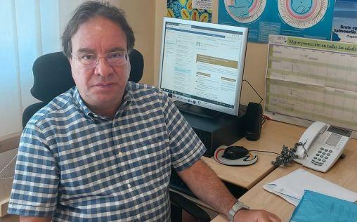 """Amos García Rojas: """"Tenemos una magnífica vacuna para evitar el coronavirus y es quedarse en casa"""""""