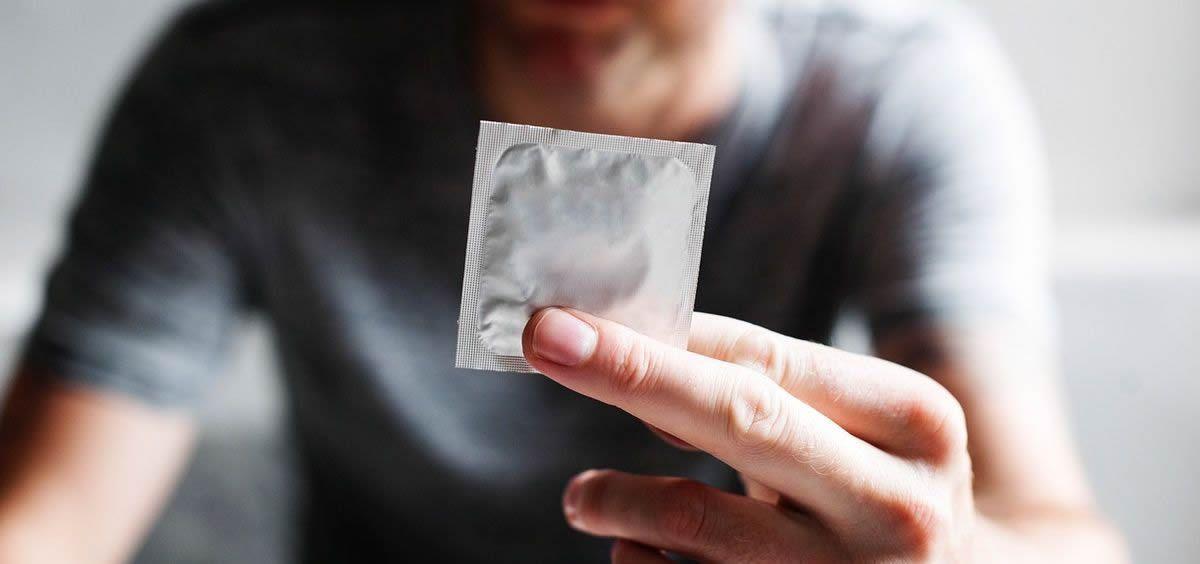 El uso de preservativo es una de las principales medidas de prevención contra las ITS (Foto. Rawpixel)