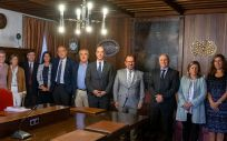 Reunión entre miembros del Sergas y la USC (Foto. Xunta de Galicia)
