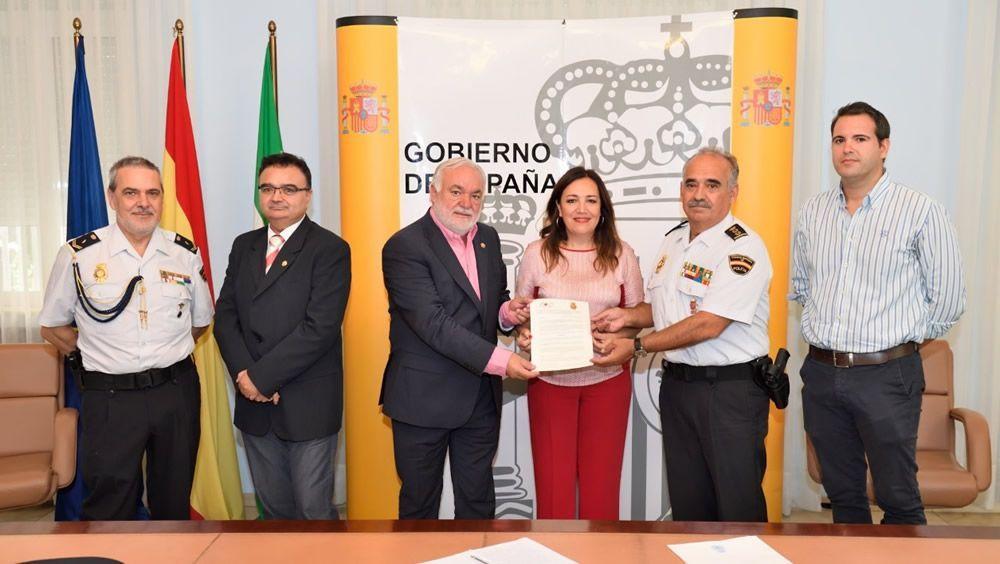 Enfermeros de Jaén forman a agentes de la Policía en primeros auxilios