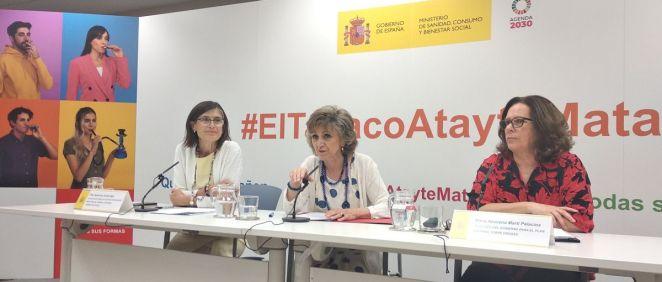 Representantes del Ministerio de Sanidad, lideradas por María Luisa Carcedo, presentando la nueva campaña de prevención del tabaquismo.