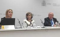 La ministra María Luisa Carcedo, durante la presentación de la campaña, junto al a presidenta de la ONT, Beatriz Domínguez. (Foto: ONT)