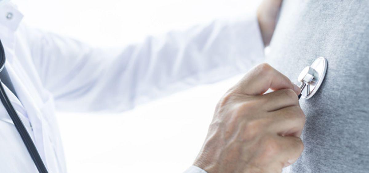 Paciente en consulta (Foto. Freepik)