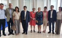 Ana Barceló, en el centro de la imagen, anuncia la creación de la 'Beca Ana Lluch' (Foto: Generalitat Valenciana)