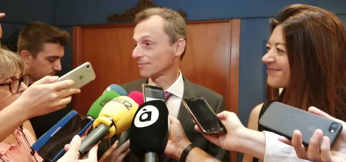 El ministro de Ciencia, Innovación y Universidades, Pedro Duque tras la reunión (Foto. Generalitat Valenciana)