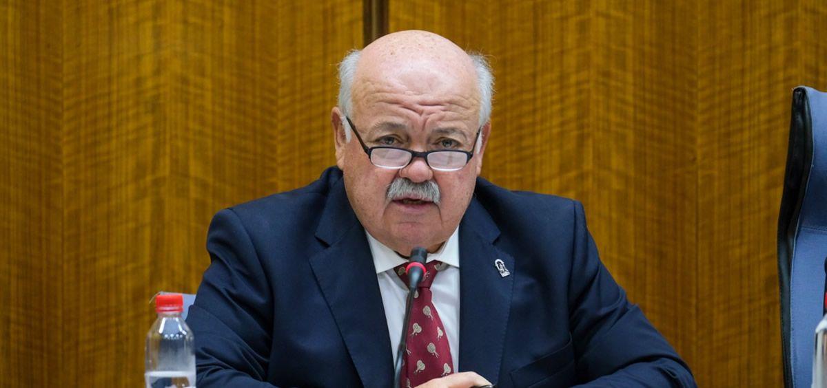 Jesús Aguirre, consejero de Salud y Familias, en el Parlamento andaluz (Foto: Junta de Andalucía)