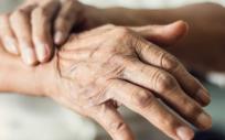 El Hospital Universitario General de Cataluña ha participado en un ensayo para evaluar una nueva formulación de levodopa, un medicamento para tratar el párkinson (Foto. Freepik)