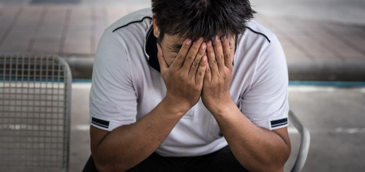 Hombre triste (Foto: Freepik)