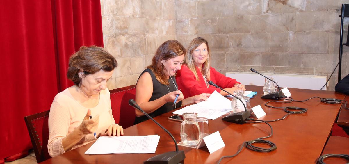 Santiago, Armengol y Gómez durante la reunión conmemorativa del Día Mundial de la Salud Mental (Foto. Gobierno de las Islas Baleares)
