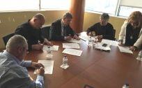 Imagen de la reunión en la que los sindicatos firmaron con Sanidad el Pacto por el Empleo en la Sanidad Aragonesa.