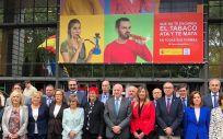 Los representantes del Ministerio de Sanidad, Consumo y Bienestar Social y los consejeros autonómicos de Sanidad y Salud, unidos frente al tabaco (Foto: @sanidadgob)