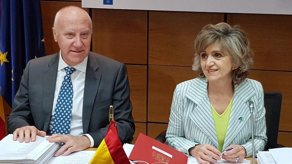 María Luisa Carcedo y Faustino Blanco, ministra de Sanidad en funciones y secretario general de Sanidad (Foto: ConSalud.es)