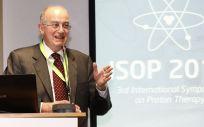 Dr. Raymond Miralbell durante el III Simposio Internacional de Protonterapia