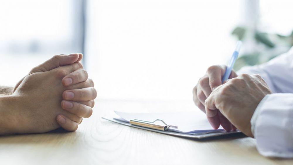 Paciente y médico en una consulta (Foto. Freepik)