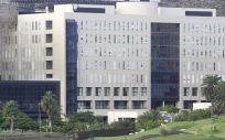 Fachada exterior del Hospital Dr. Negrín. (Foto. ConSalud)