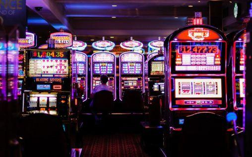Jugar y apostar dinero, una conducta adictiva integrada en el ocio de los jóvenes españoles