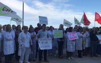 Sanitarios valencianos en la concentración protesta (Foto. ConSalud)