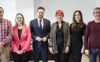 Asistentes a la reunión en la que Santos Induráin ha comunicado el inicio del proyecto (Foto. Gobierno de Navarra)