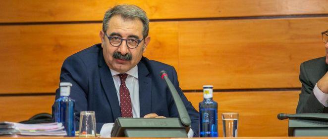 El consejero de Sanidad de Castilla-La Mancha, Jesús Fernández Sanz, comparece en las Cortes regionales para presentar el proyecto de presupuestos 2020 en materia sanitaria (Foto: Gobierno de Castilla-La Mancha)