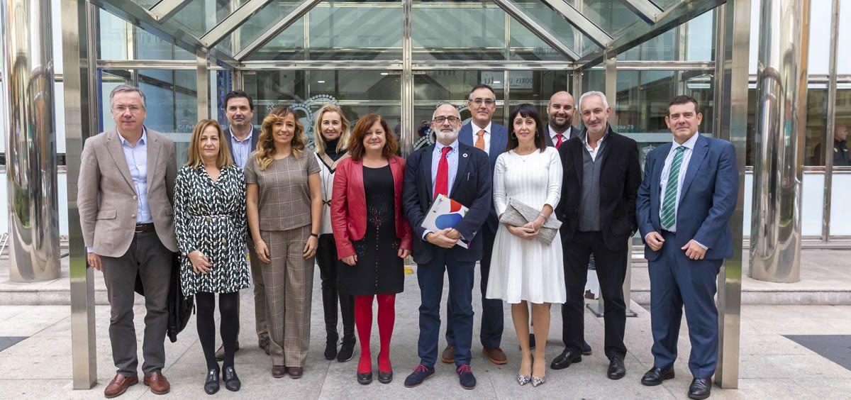 El consejero de Sanidad, Miguel Rodríguez, junto a todo su equipo. (Foto. Miguel de la Parra)