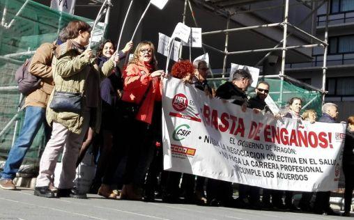 'Viernes negros': Los sanitarios de Aragón exigen el pago de la carrera profesional