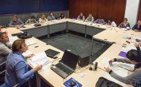 Representantes sindicales y del Servicio Riojano de Salud en la Mesa Sectorial. (Foto. Gobierno de la Rioja)