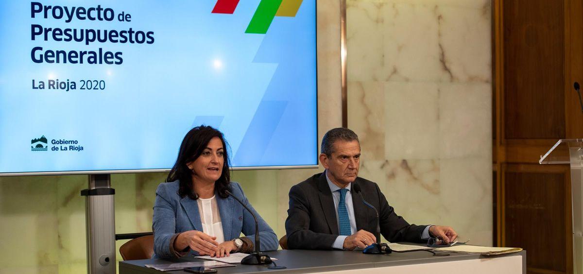 Concha Andreu, presidenta del Gobierno de La Rioja y el consejero de Hacienda, Celso González en la presentación de los Presupuestos (Foto. Gobierno de La Rioja)