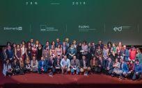 Foto de familia de los galardonados, finalistas y autoridades en los 'Premios Enfermería en Desarrollo 2019' (Fotos: SATSE)