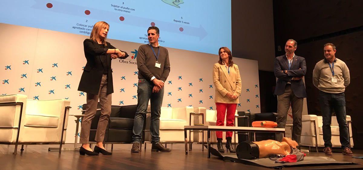 De izquierda a derecha: Alicia Maceira, Miguel Indurain, Isabel Fernández, Víctor Luengo y Javier Alonso durante el taller de RCP (Foto: Fundación Quaes)