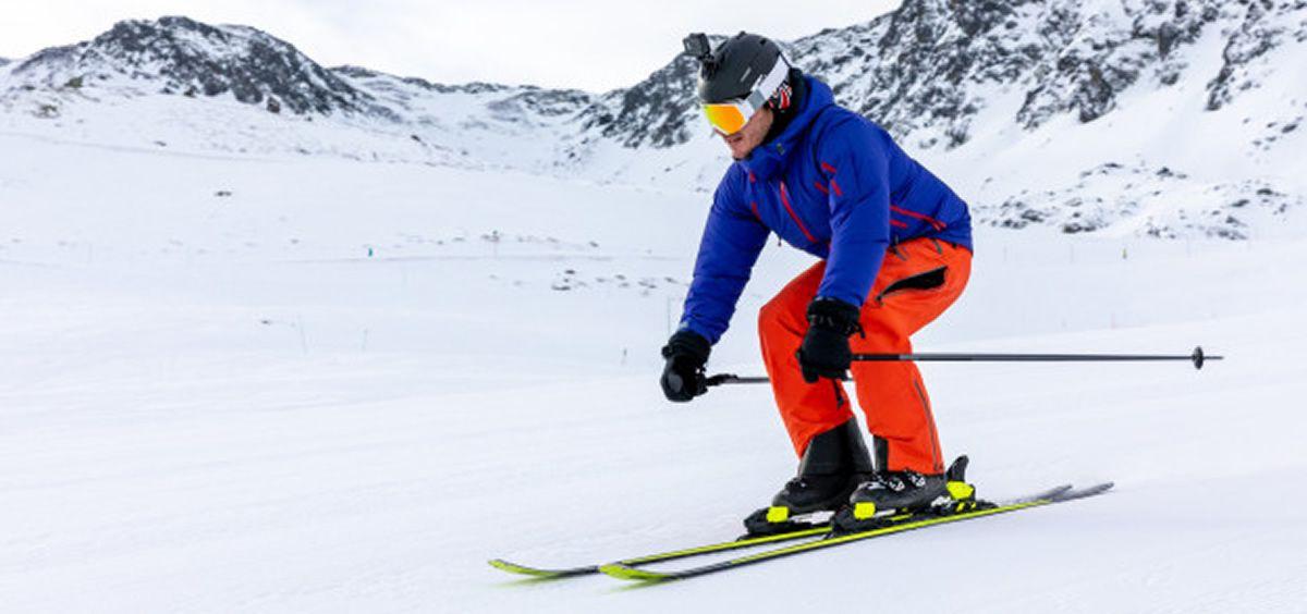 El esquí y el snowboard son los deportes de invierno preferidos (Foto. Freepik)