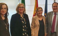 Rocío Blanco, junto a otros asistentes a la reunión de la Comisión (Foto. Junta de Andalucía)