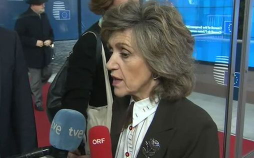 Carcedo reconoce que se debe impulsar el uso de los medicamentos genéricos en España
