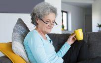 Las mujeres jubiladas son uno de los grupos más afectados por la artrosis (Foto: Freepik)