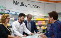 Pilar Ventura y Jesús Aguilar, durante la presentación en Teruel de Mi Farmacia Asistencial