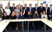 Comité de Innovación del Instituto para el Desarrollo e Integración de la Sanidad junto a representantes de Medtronic (Foto: Fundación IDIS)