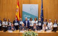 Foto de familia de los premiados de la edición anterior de los Premios Profesor Barea