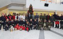 Los bomberos, un apoyo para los niños ingresados en Navidad