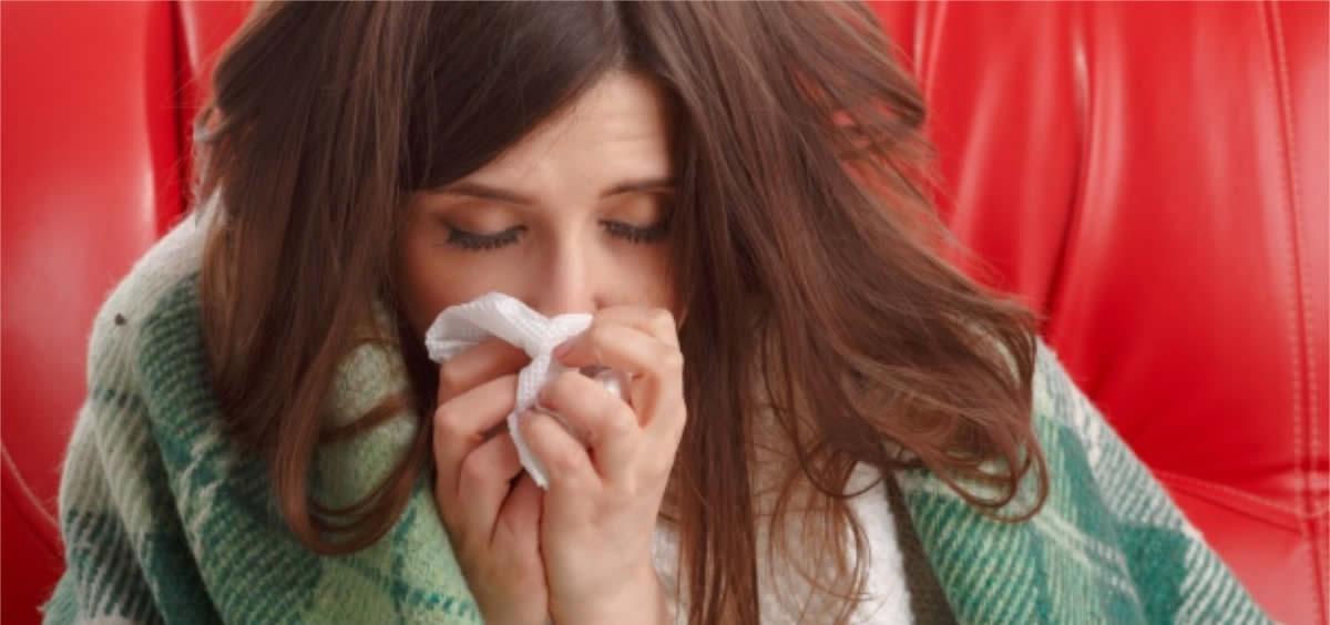 La gripe, aunque es una enfermedad beningna en la población sana, puede causar complicaciones en los citados grupos de riesgo (Foto. Freepik)