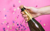 Los traumatismos oculares por el corcho de las botellas, entre las urgencias más frecuentes en Navidad y Año Nuevo (Foto. Freepik)