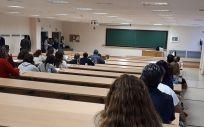 Opositores en un aula (Foto de archivo. Junta de Andalucía)